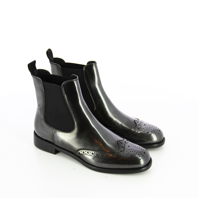 Be Stylish This Winter With Europa Art Boots!